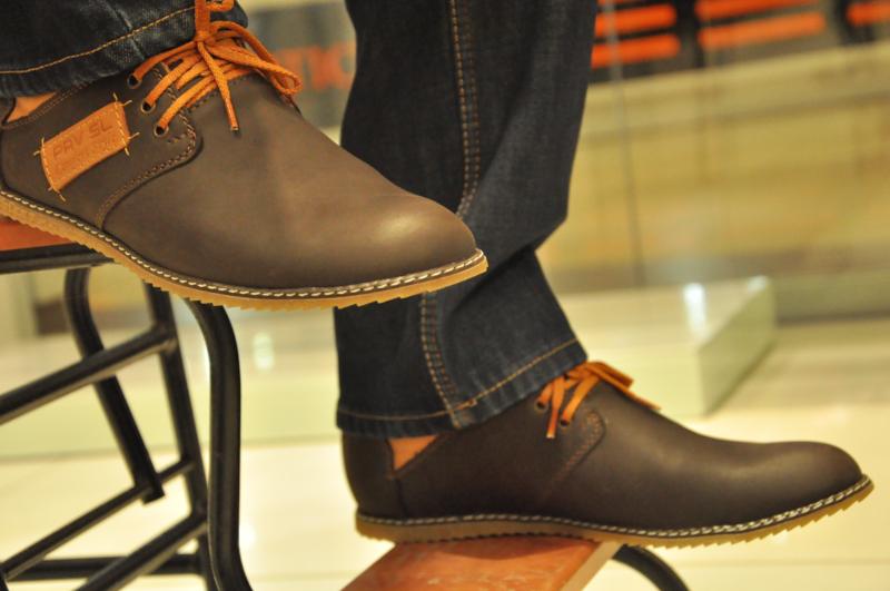 Гарантия на обувь по закону о защите ПП || Если кросовки расклеелись после недели носкт